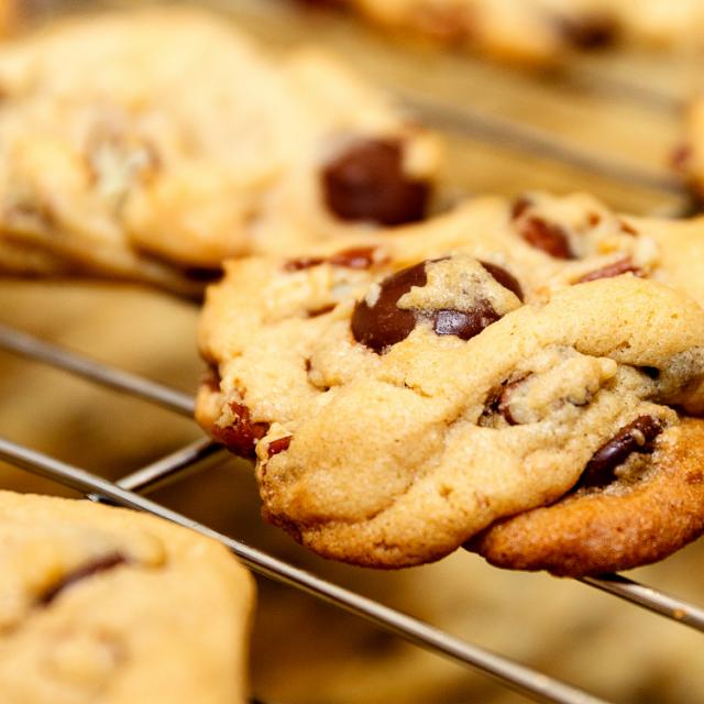 Low-sugar chocolate chip nut cookie recipe